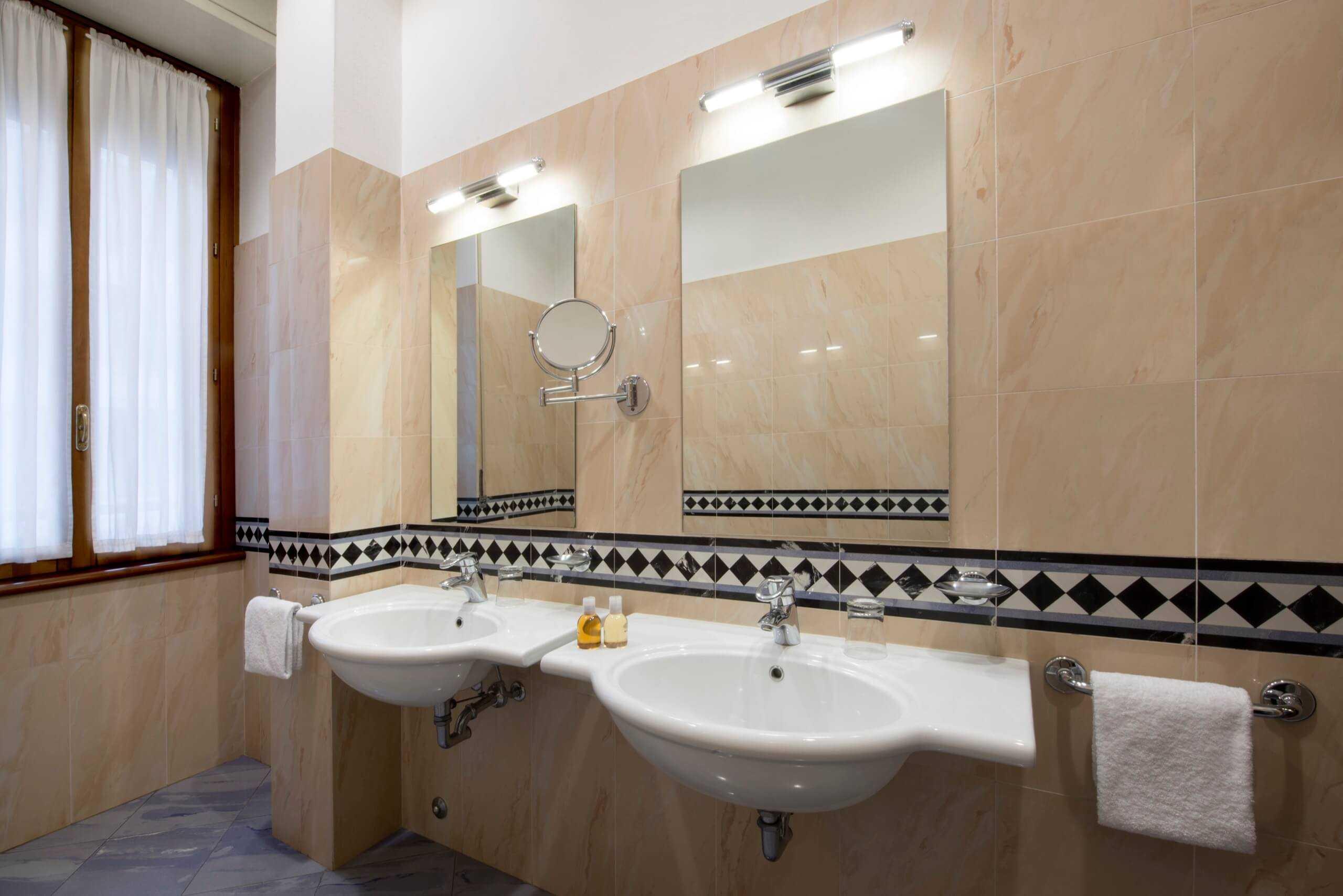Bagno In Comune Hotel : Camera matrimoniale con bagno in comune u hotel tirreno milano