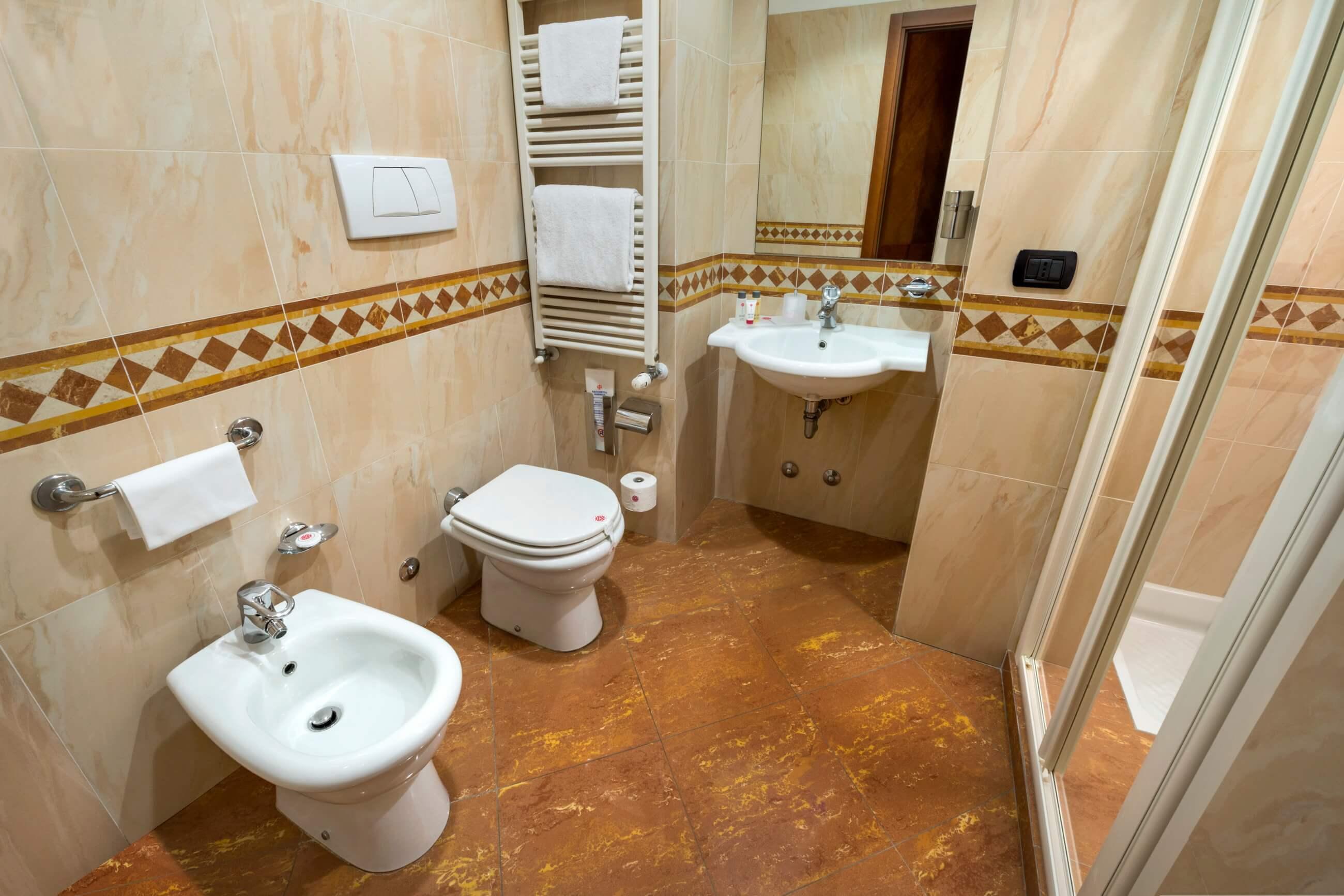 Camera singola hotel 3 stelle a milano lancaster hotel - Kit cortesia bagno ...